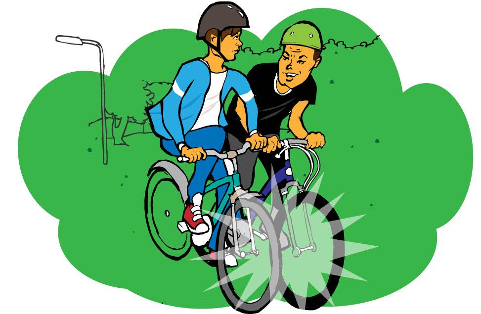 Rickard cyklar nära Pål så att deras trampor slår i varandra